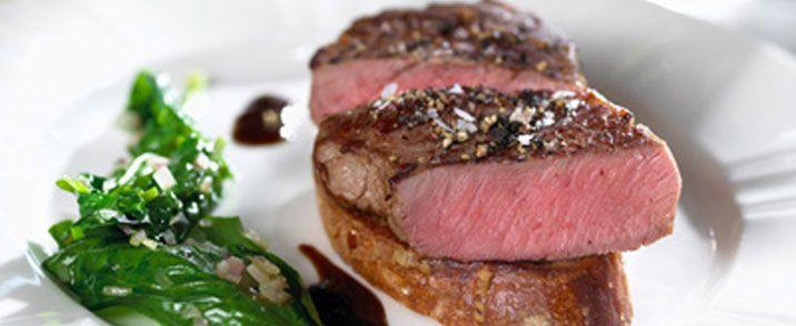 Australsk Premium Bøffer serveret med fransk ynde.