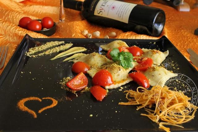 ravioli di pistacchi e pancetta http://www.ipasticcidiluna.com/2012/07/ricetta-ravioli-di-pistacchi-e-pancetta.html