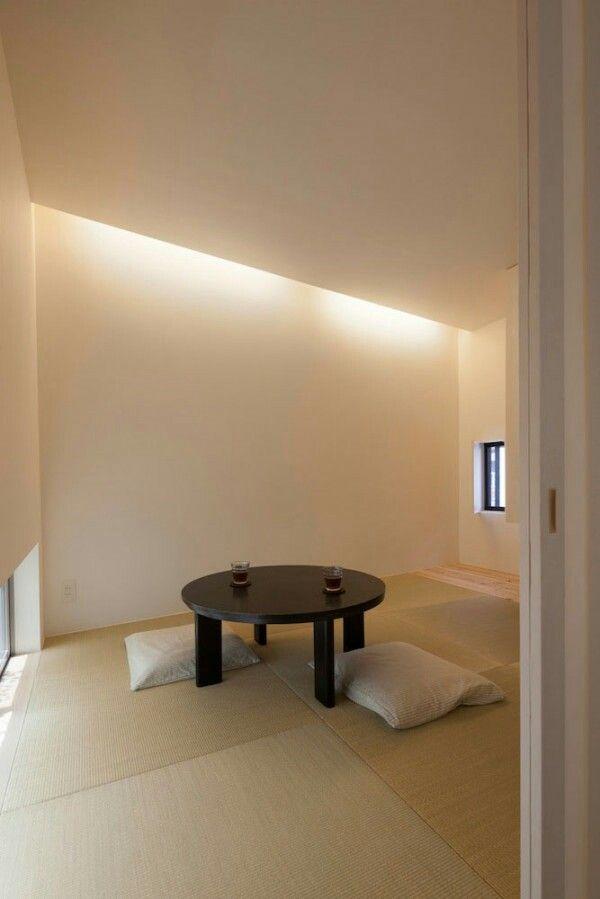 backlighting in tatami room? wood panels along side?
