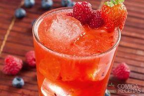 Receita de Caipirinha de frutas vermelhas em receitas de bebidas e sucos, veja essa e outras receitas aqui!