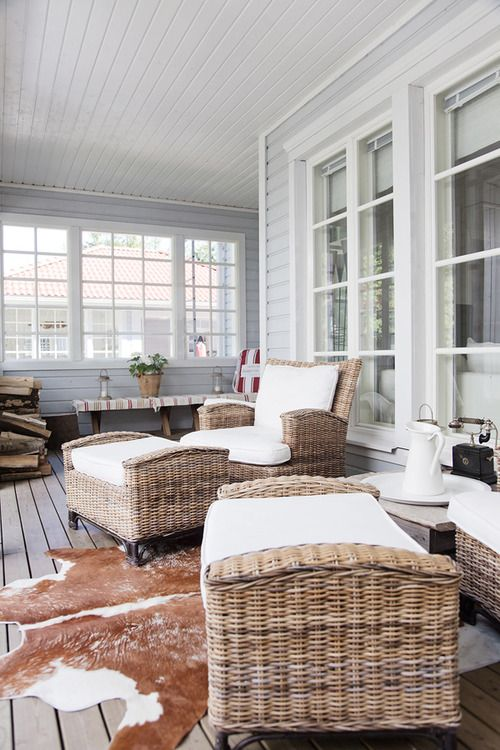 Perfect deck - the floor matches the wicker chairs!