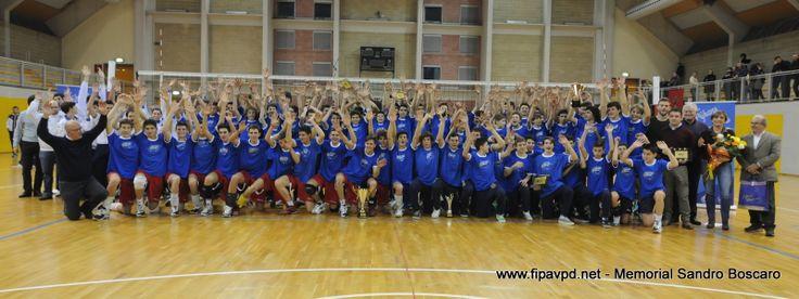 Cittadella e San Martino di Lupari hanno ospitato il primo Memorial Sandro Boscaro under 15 maschile. Vince Treviso in finale su Padova, ma soprattutto vince la pallavolo e il ricordo di un amico.