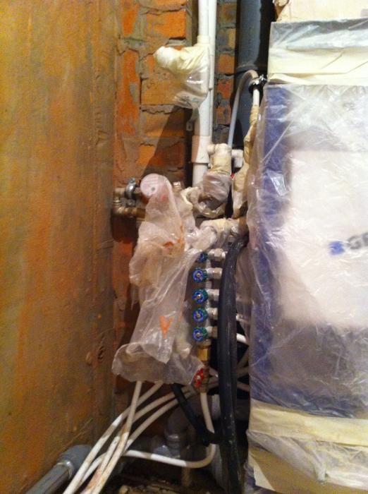 ремонт ванной комнаты, скрытые коммуникации в санузле, монтаж коллектора