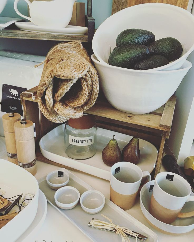 #classic #countrystyle #pottery #white #kitchen #rustic #avocados #pears #gifts #entertaining #quinceyjac