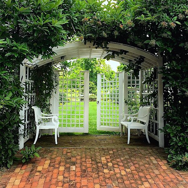 Best 25 garden entrance ideas on pinterest garden arbor for Garden entrance ideas