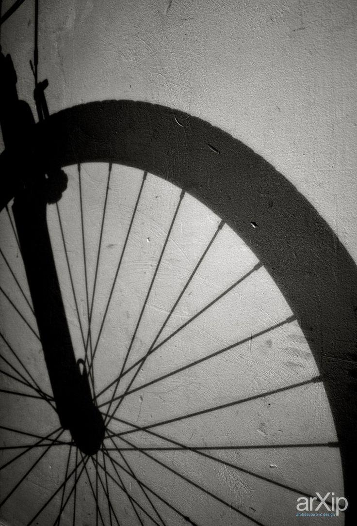 тень: фотография, чёрно-белая фотография, жанровая фотография #photo #blackandwhitephoto #street& arXip.com