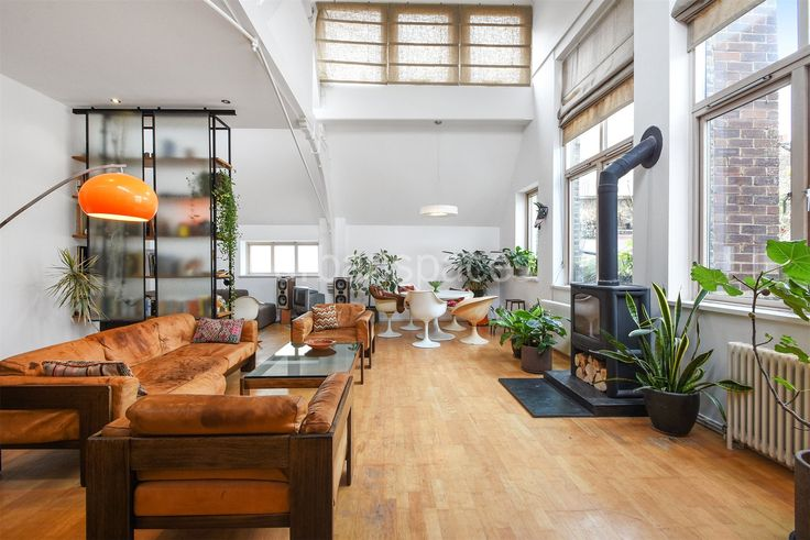 A unique 1300 sqft loft style apartment situated within a former Methodist Church. This 2 bedroom property is set over 3 floors with a large reception area and a bedroom on the mezzanine level. Boasting high ceilings, wooden floors, large original windows and a private outdoor space.   Bavaria Road is moments away from local shops and transport links include Upper Holloway Station (National Rail, Overground and Underground) and Archway Station (Underground) which provide numerous travel…