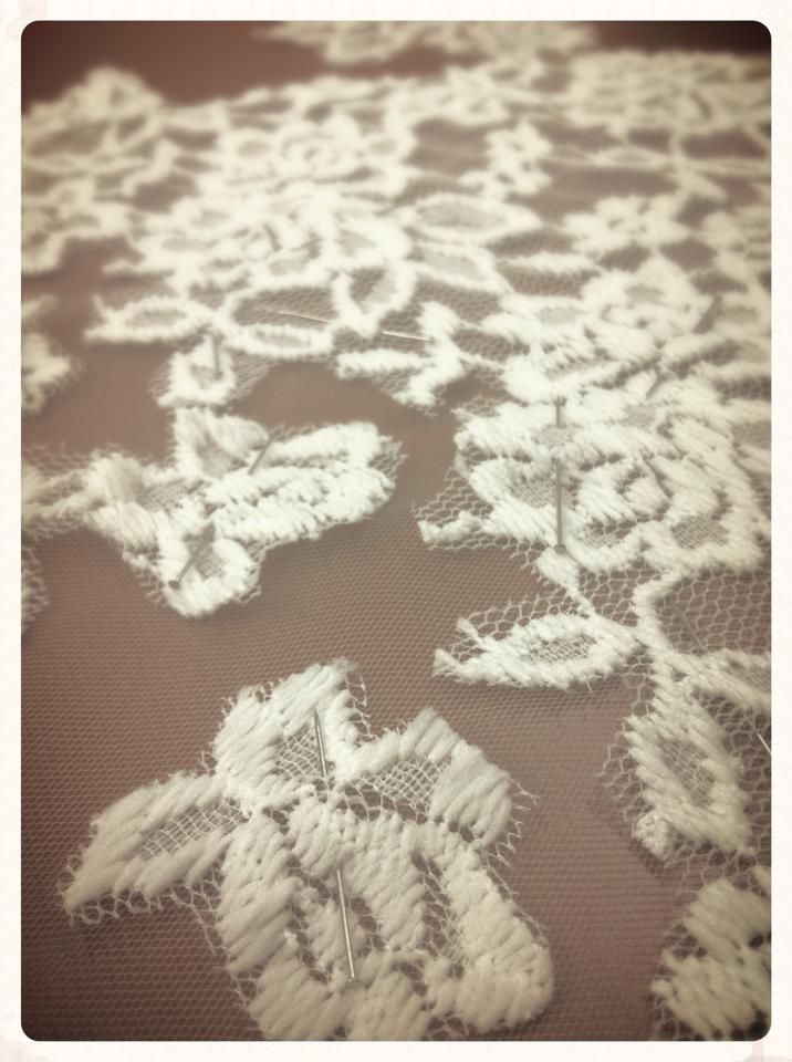 """""""LACE ON SKIN"""" - lace flowers"""