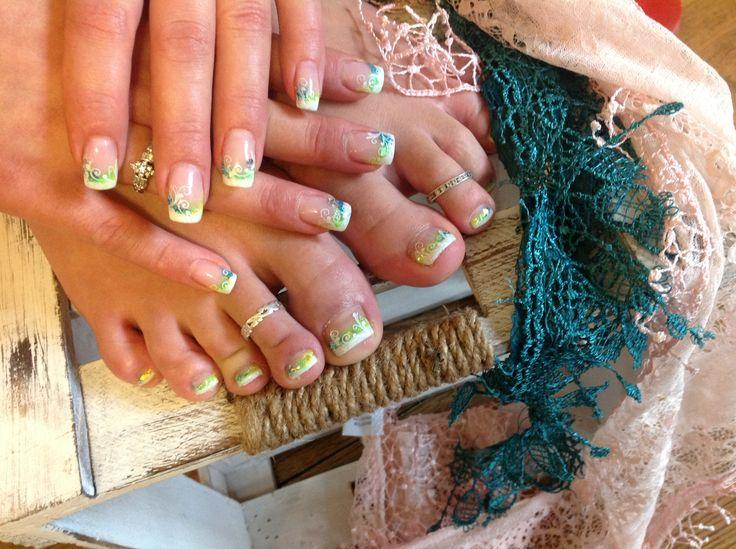Gel Nails & Gel Toes
