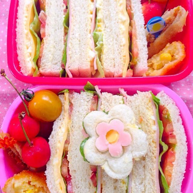 久々のんびり〜お弁当もサンドウィッチだったから楽ちん(*≧艸≦)   ☆サンドウィッチ(卵・ハム・レタス・チーズ&卵・ハム・レタス)☆カレーチーズ春巻き☆コーンクリームコロッケ☆さくらんぼ☆ - 48件のもぐもぐ - Lunch box☆sandwichサンドウィッチ by Ami