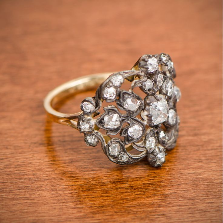 A stunning Victorian Era Engagement Ring. Silver on Gold Mounting. Circa 1880.