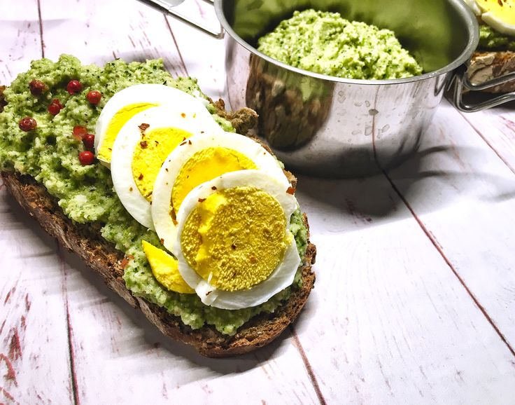 Schiscetta – Broccolo pesto toast