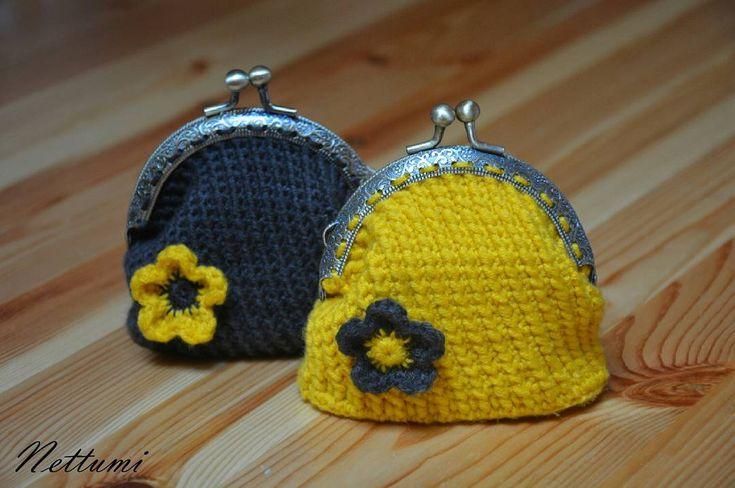 """2 kedvelés, 1 hozzászólás – Anett (@nettumi) Instagram-hozzászólása: """"#crochet #purse #crochetpurse #handmade #purseframe #horgolt #pénztárca"""""""