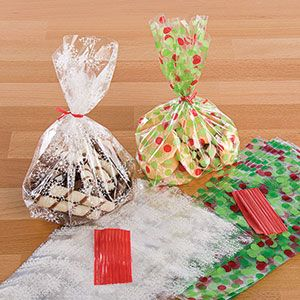 """Product # 60595 - The perfect Christmas treat bags for candies and homemade baked goods. Set includes twist ties to close. Includes 20 of each design. Each bag: 11-1/2""""L x 5""""W"""
