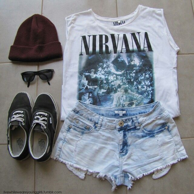 Nirvana white crop top, Worn-out black Vans, Rubin beanie, and black RayBans♥