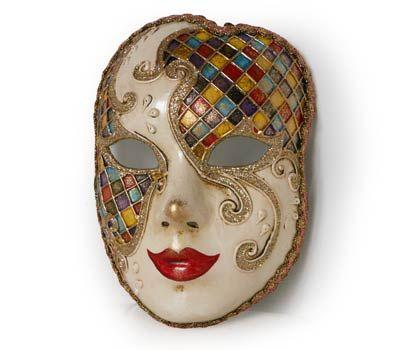 Maschera realizzata interamente a mano, in cartapesta e decorata con colori acrili e glitter.