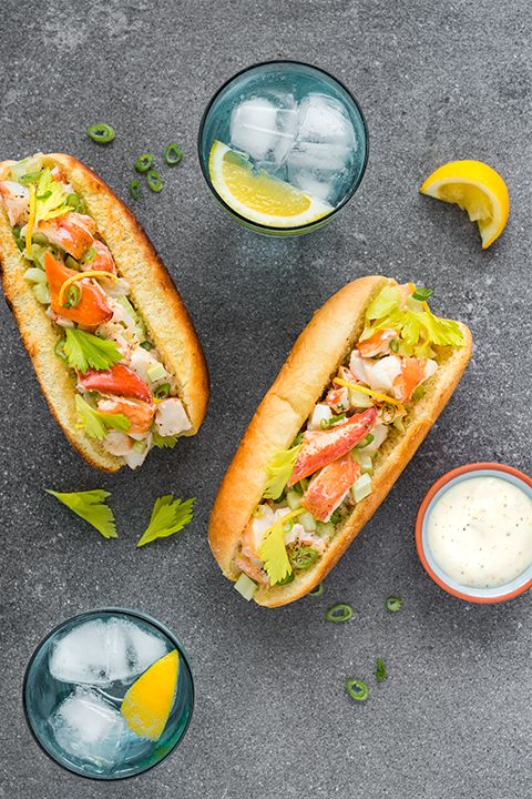 INGREDIENTS BY SAPUTO | Our citrus-flavoured lobster rolls are bursting with freshness! This classic seafood recipe idea with shallots and delicious homemade sour cream dressing will be the star of your summer vacation!