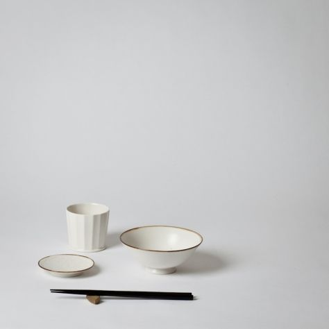 "Jicon Facet  White porcelain tableware designed by OJI Masanori.  Its beautiful ""porcelain white"" unlike anything seen before. Certain items in the series have an accent of rusty brown color on the rim called ""Fuchi-Sabi""  JICON is a porcelain brand launched together with a Japanese designer, OJI Masanori. The brand name means ""porcelain (JI) in modern times (CON)."" In the Buddhist words, JICON means ""seize the day."""