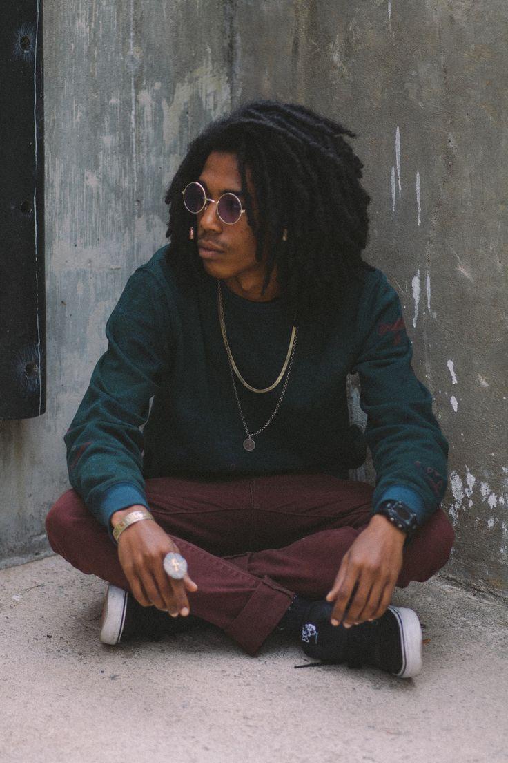 Sweater: Vans, Jeans: Levi, Sneakers: Vans, Shades: HippieShop, Bracelet: Tibetan mantra, Watch: Wal-Mart, Ring: Shop ALS. Joaquin Lopez IV,...