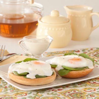 Thomas' Eggs Florentine Bagels