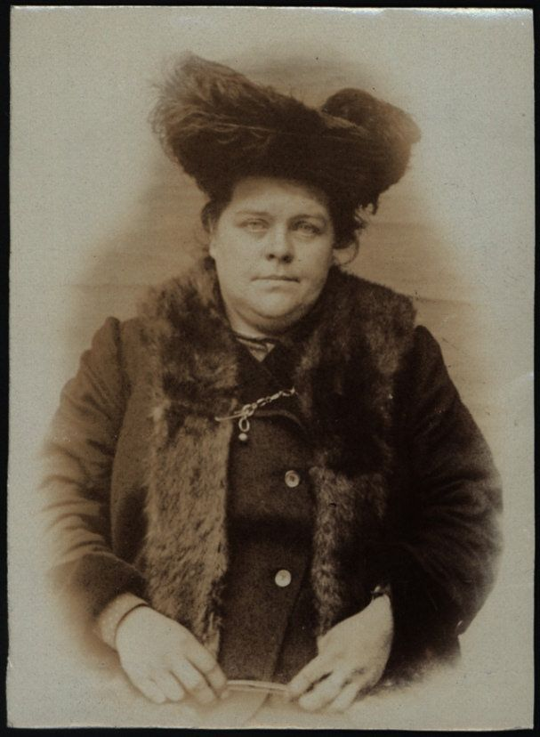 "https://flic.kr/p/rfVaS6 | Elizabeth M Cambettie alias McCree | Name: Elizabeth M Cambettie alias McCree Arrested for: not given Arrested at: North Shields Police Station Arrested on: 3 November 1906 Tyne and Wear Archives ref: DX1388-1-43-Elizabeth M Cambettie AKA McCree  The Shields Daily News for 3 November 1906 reports:  ""LARCENY CASE AT NORTH SHIELDS.  At the North Shields Police Court this morning before Captains Bolt and Sanderson, Elizabeth Gambetter, a middle-aged woman, residi..."