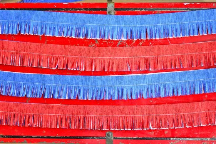 fourth of July: Quick crepe paper decorations