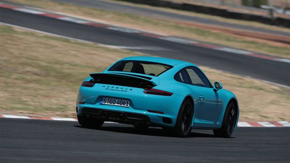 Спорткар Porsche 911 GTS 2017 / Порше 911 GTS 2017