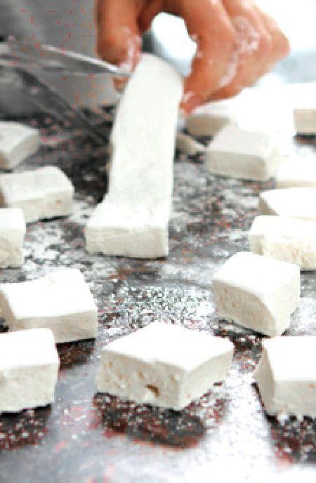 Low FODMAP Recipe and Gluten Free Recipe - Vanilla marshmallows http://www.ibs-health.com/low_fodmap_vanilla_marshmallows.html