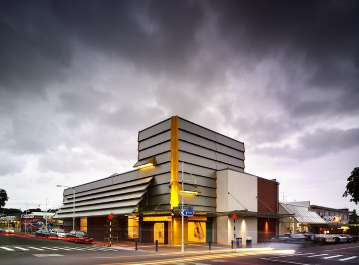 The Tauranga Art Gallery is centrally located and delivers exhibitions of historical and contemporary art that feature both local and international artists.
