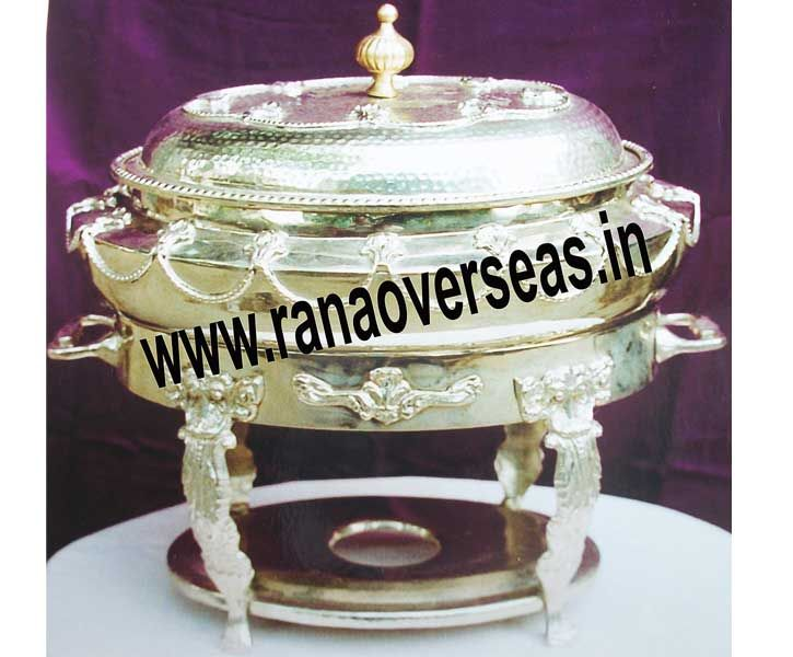 Brass chafing dishes are widely preferred these days for the purpose of serving food in a highly fashionable manner. Visit here:- http://brasschafingdishesmanufacturers.bravesites.com/entries/general/buy-the-best-designs-of-chafing-dishes-from-brass-chafing-dishes-manufacturers-