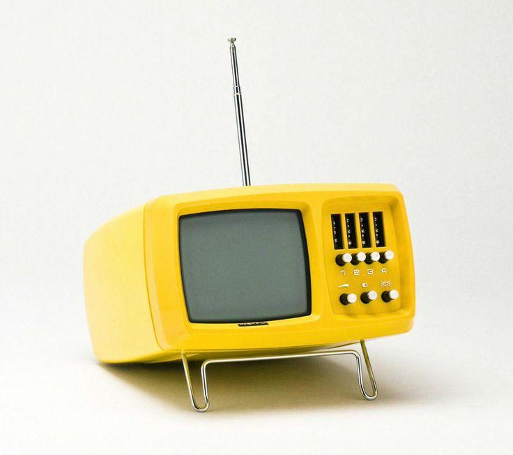 Wega Mini-Vidi TC 1620, portable TV, 1970-80- Wega Stuttgart, Germany. Via Technoseum.