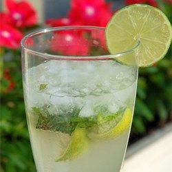 This can be made for a group by mixing all appropriate amount of servings except for alcohol. Alcohol should be added when pouring servings. Make using a simple syrup.