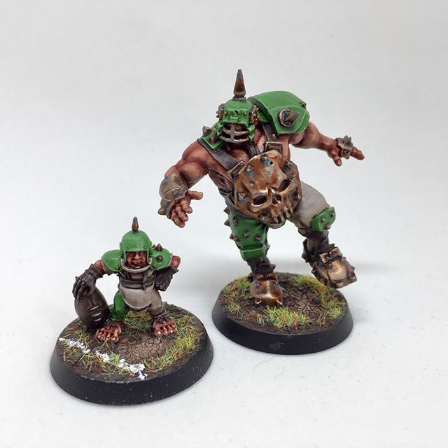 I've finally managed to properly photograph my Blood Bowl Halfling team, The Jammy Dodgers. I'll be posting up a different image every day this week, today I'm showing off Grak and Crumbleberry, Crumbleberry occasionally doubling up as Puggy Baconbreath. #bloodbowl #bb2016 #gw #gamesworkshop #warhammer #halflings #boardgames #nerd #geek #tabletop #boardgame #boardgamegeek #tabletopgames #game #hobby #minature #geek #nerd  #tabletop #tabletopgaming #minipainting #modelpainting #coolmini…