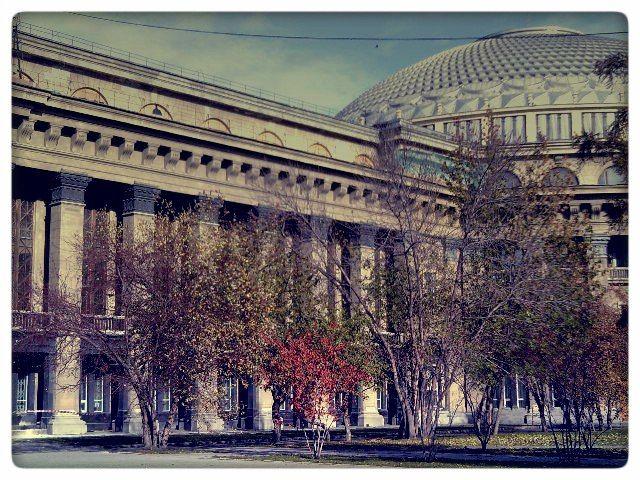 Оперный театр в Новосибирске.