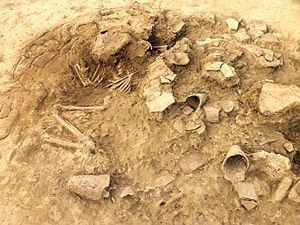 Italian archaeologists working at Tal Abu Tbeirah in southern Iraq recently excavated a lavish tomb dating to the middle of the third millennium B.C.E.Ancient History, Italian Archaeologist, Ancient Middle, Southern Iraq, Millennium, Lavish Tomb, Ded 318, Archaeologist Work, Abu Tbeirah