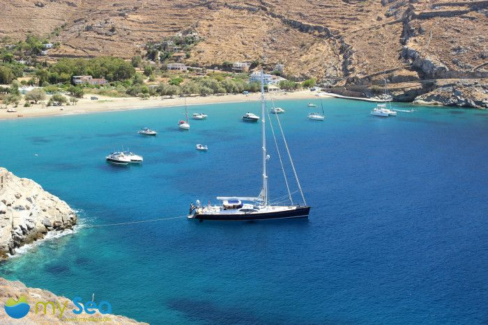 10 Charming Greek Islands