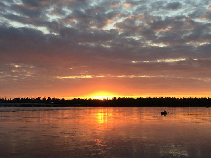Lonely fisherman and sunset in Merijalinranta, Oulu, Finland. Photo: Mauri Kuorilehto (14.9.2015).