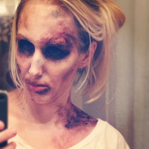 Halloween zombie makeup! Inspired by, The Walking Dead. A little oatmeal, makeup, and gelatin. See how I did it!! -Beauty Asylum