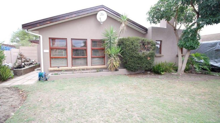 Three bedroom home situated in prime area close to all main amenities in Brackenfell. Walking distance to the Brackenfell High School.  3 Bedrooms with built in cupboards, 2 bathrooms,   2 living areas and covered outside braai.  Open  kitchen with fitted oven and hob. Single garage  plus extra space for caravan, boat   undercover parking for 4 vehicles. Lovely size enclosed plot with automated gate .  Very good securityContact Marietjie084 3333 244