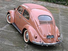 '55 VW bug. My very first car was a '56 and it looked exactly the same except it was orange.