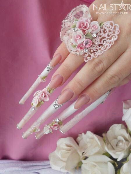 Loves nails