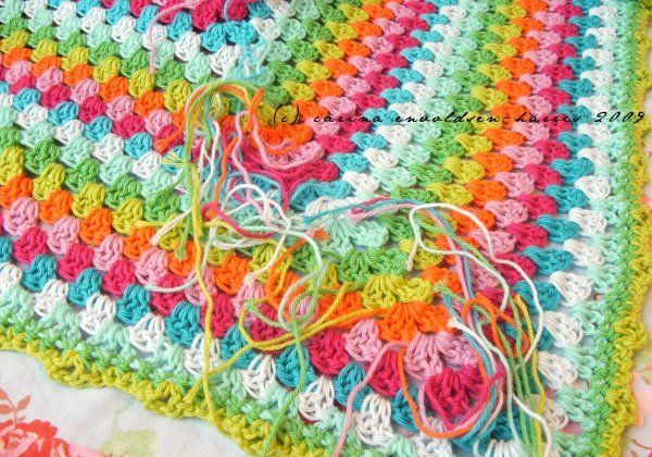 The modern take on the granny crochet blanket - love these colors together!