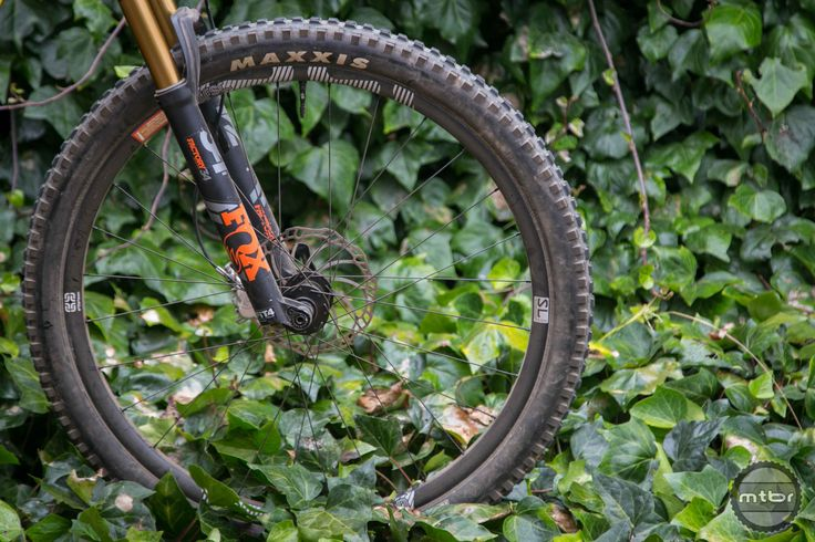 ethirteen TRS Race SL carbon wheels review - Mountain Bikes For Sale