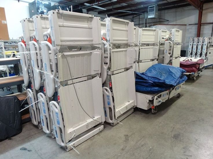 Hill Rom P3200 Versacare Hospital Bed with P500 Mattress System Included #Stryker