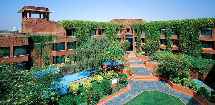 ITC Mughal Agra is a Luxury hotel in Agra. The property surrounded by ancient Indian culture, including the Taj Mahal, 4 km, ITC Mughal is spread across 35 acres of luxurious gardens & overlooks the Taj Mahal.