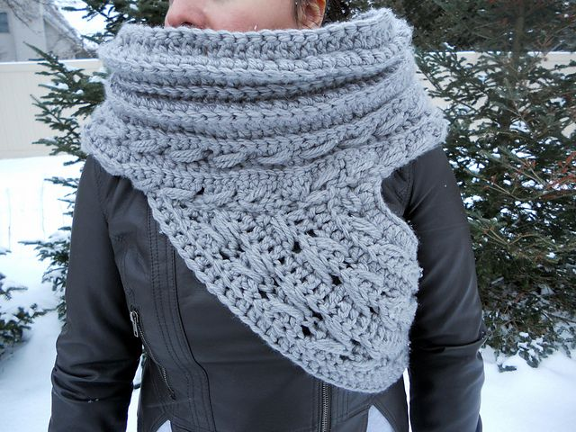 Free Knitting Pattern For Katniss Cowl : 1000+ images about Hunger Games Knit and Crochet on Pinterest Vests, Cowl s...