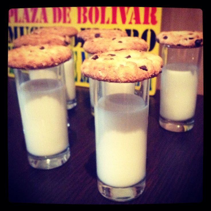 Shots de leche y galletas