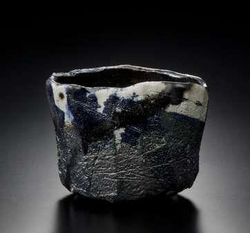 RAKU Kichizaemon  Black Raku tea bowl, yakinuki type 2012  Photo: HATAKEYAMA Takashi