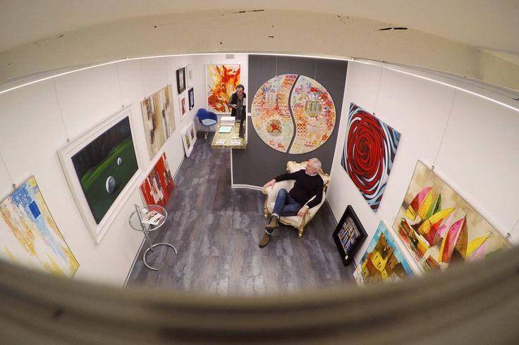 Giovanni: chronicle of the gallery2  w/ @nickyabbot #современноеискусство #artecontemporanea #contemporaryart #artsofinstagram #michelecirciello #paolofumagalli #fineartgallery #triestesocial #oiloncanvas #webstagram #goprohero5 #carlopetrini #italianartist #fluidofiume #художник #selfiestick #artgallery #картина  #abstract #iphone7 #trieste #gopro  #artist #arte #art