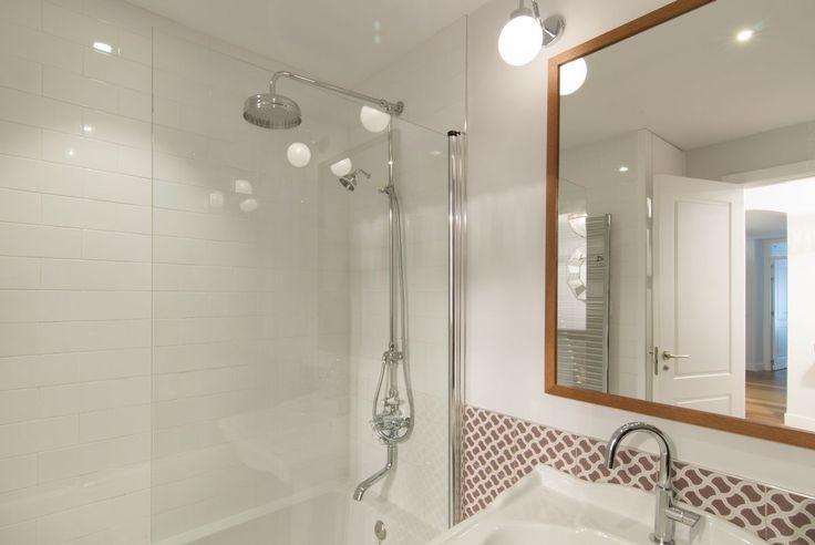 Sanitarios Baño Antiguos: sanitarios y grifería de estilo antiguo Reforma de vivienda por ACGP